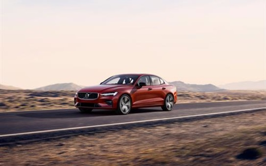 Volvo starts UK sales of dynamic new S60 saloon with R-Design Edition