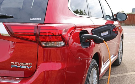 Plug-in hybrid owners really do plug in