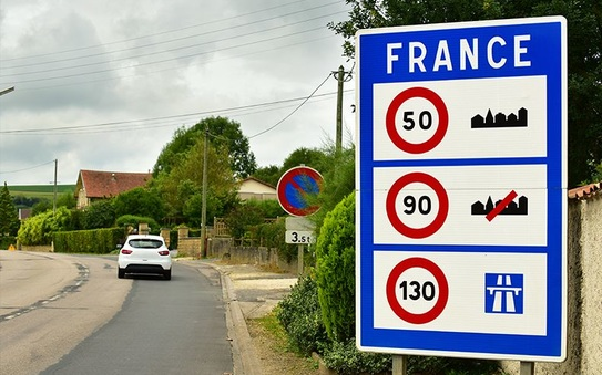 Did you know about these French driving rules?