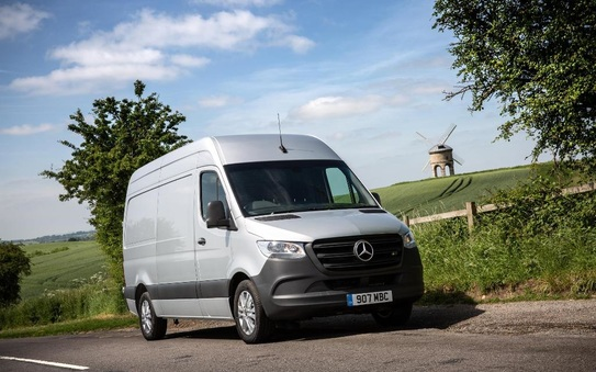 Sprinter crowned Large Van of the Year by Company Van Today