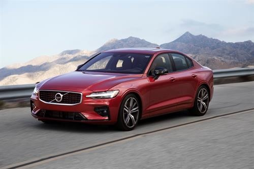 Auto-Digest-Volvo-starts-UK-sales-of-dynamic-new-S60-saloon-with-R-Design-Edition